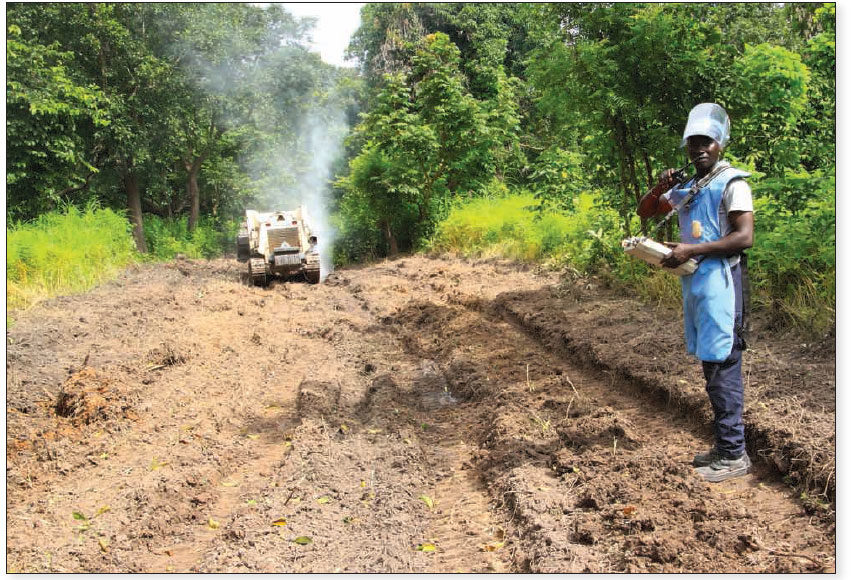 Date: 2018 Description: Mechanical demining in Senegal. © Photo courtesy of HI