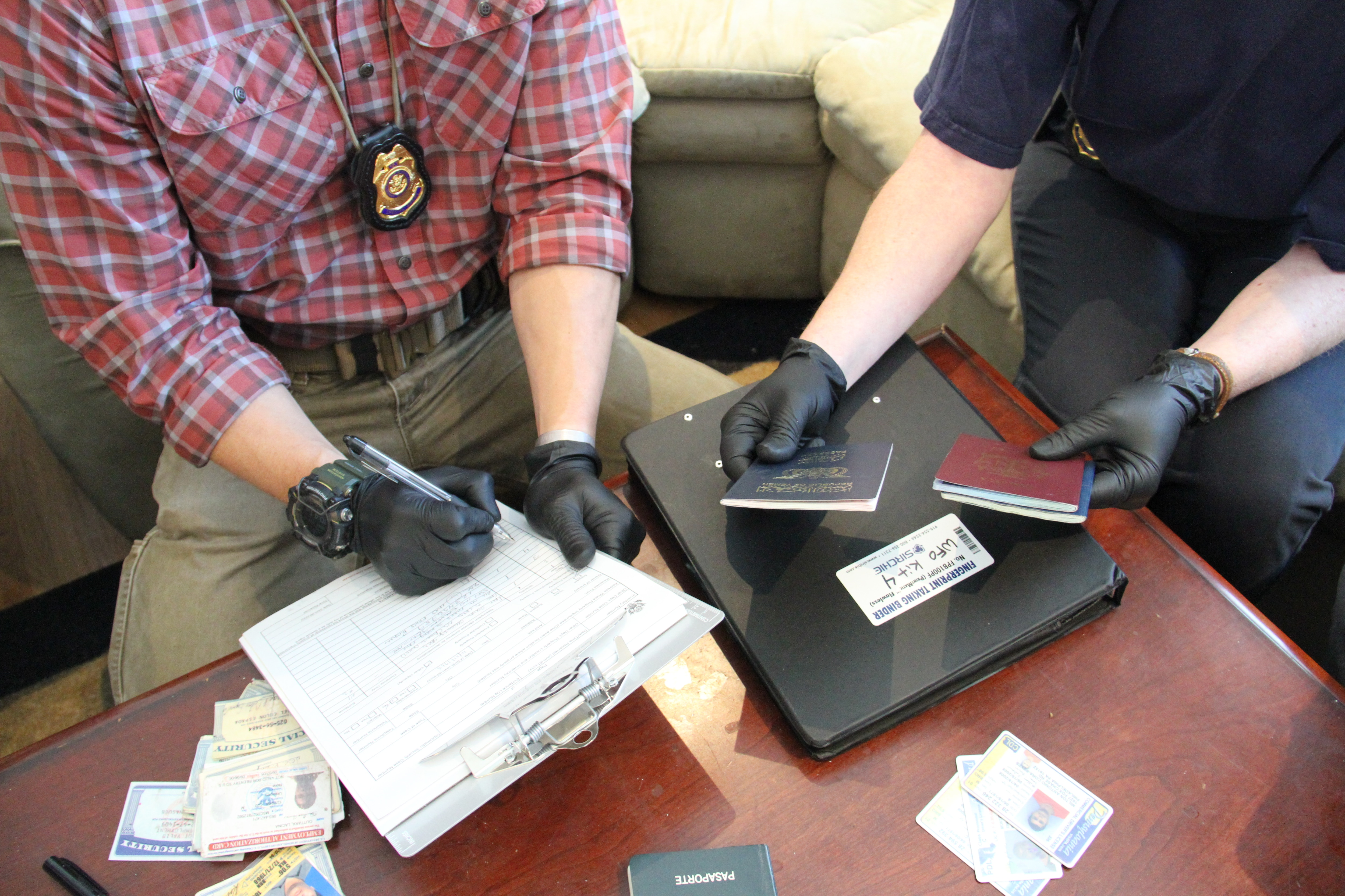 Special agents from the Diplomatic Security Service Washington Field Office demonstrate evidence collection, Feb. 28, 2019. (U.S. Department of State photo)