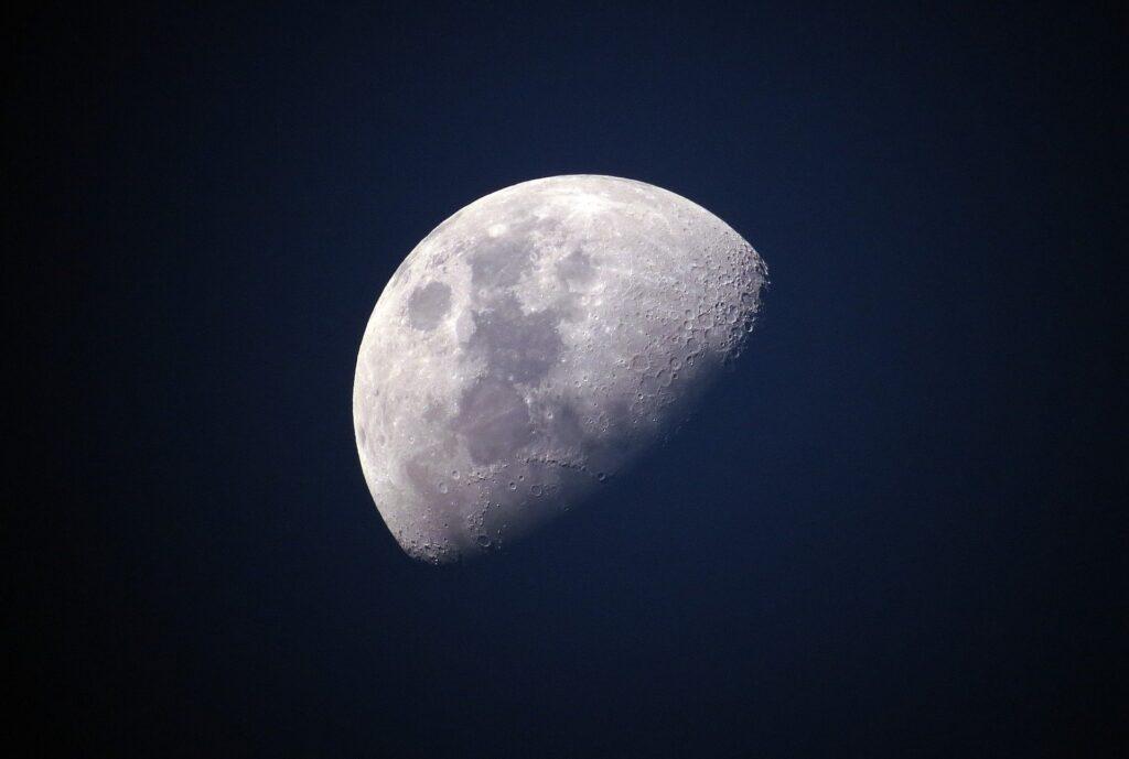 Moon 1527501 1920