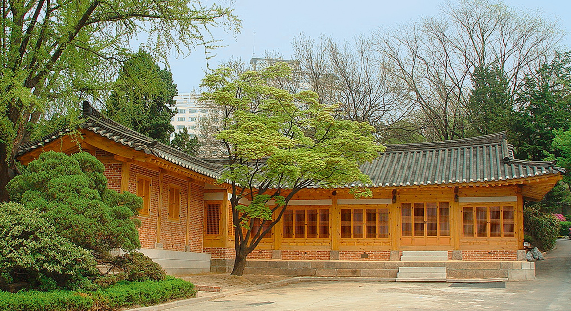 Photo showing the Seoul Old American Legation, built in 1883 and now used as a guest house, is an exceptionally well-preserved example of traditional Korean residential architecture that illustrates the long history of Korean-American friendship. [Department of State/OBO]