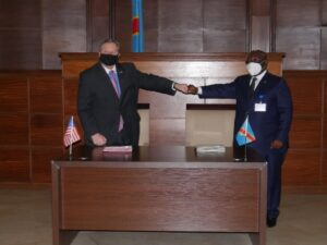Ambassador Hammer and Minister of Defense Aime Ngoy Mukena conclude the signing ceremony. (Photo courtesy of U.S. Department of State)