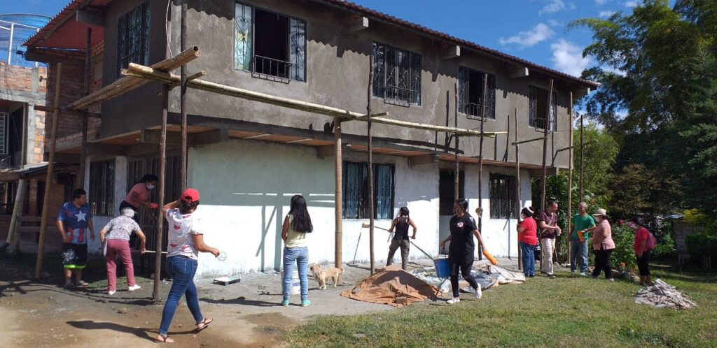 A home in Cauca, Colombia before painting begins. (Photo credit: Blumont)