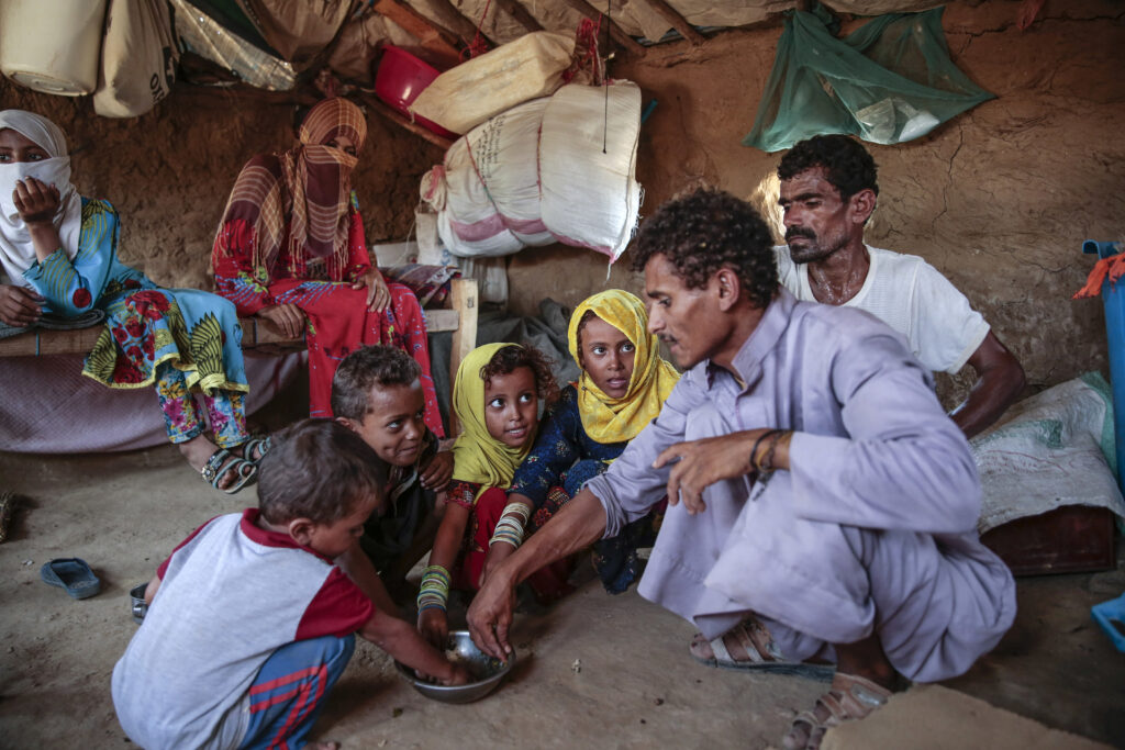 Yemen Displaced into Hunger