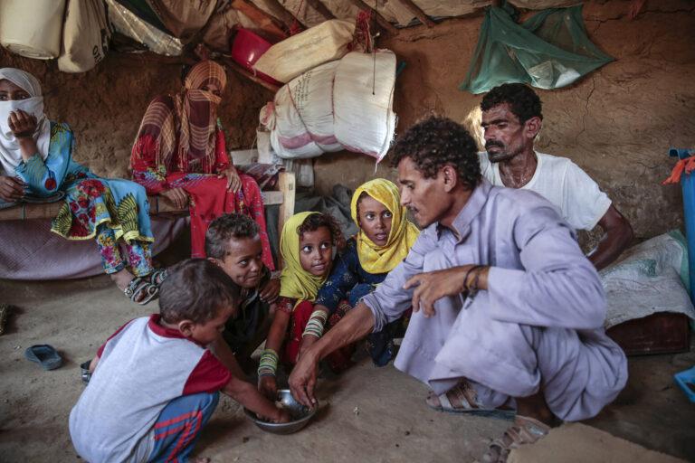 Yemen Displaced into Hunger