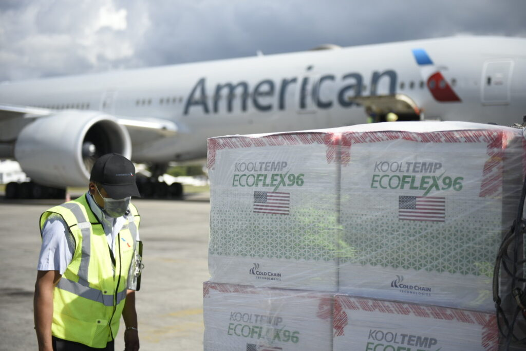 U.S. delivers COVID-19 vaccines does to Guatemala