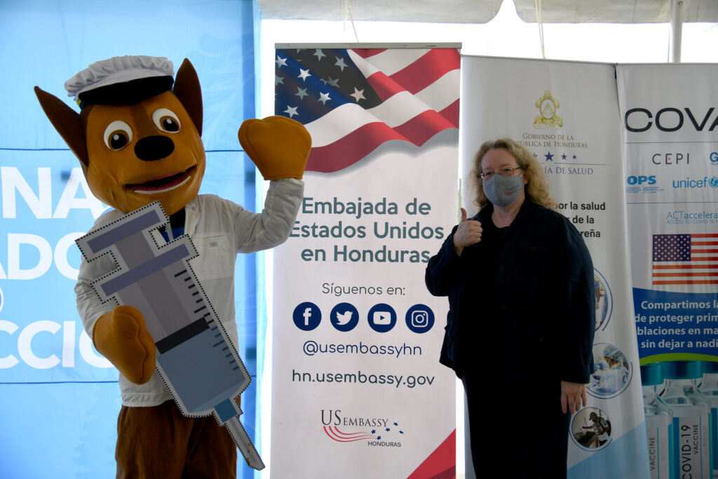 U.S. delivers COVID-19 vaccines does to Honduras