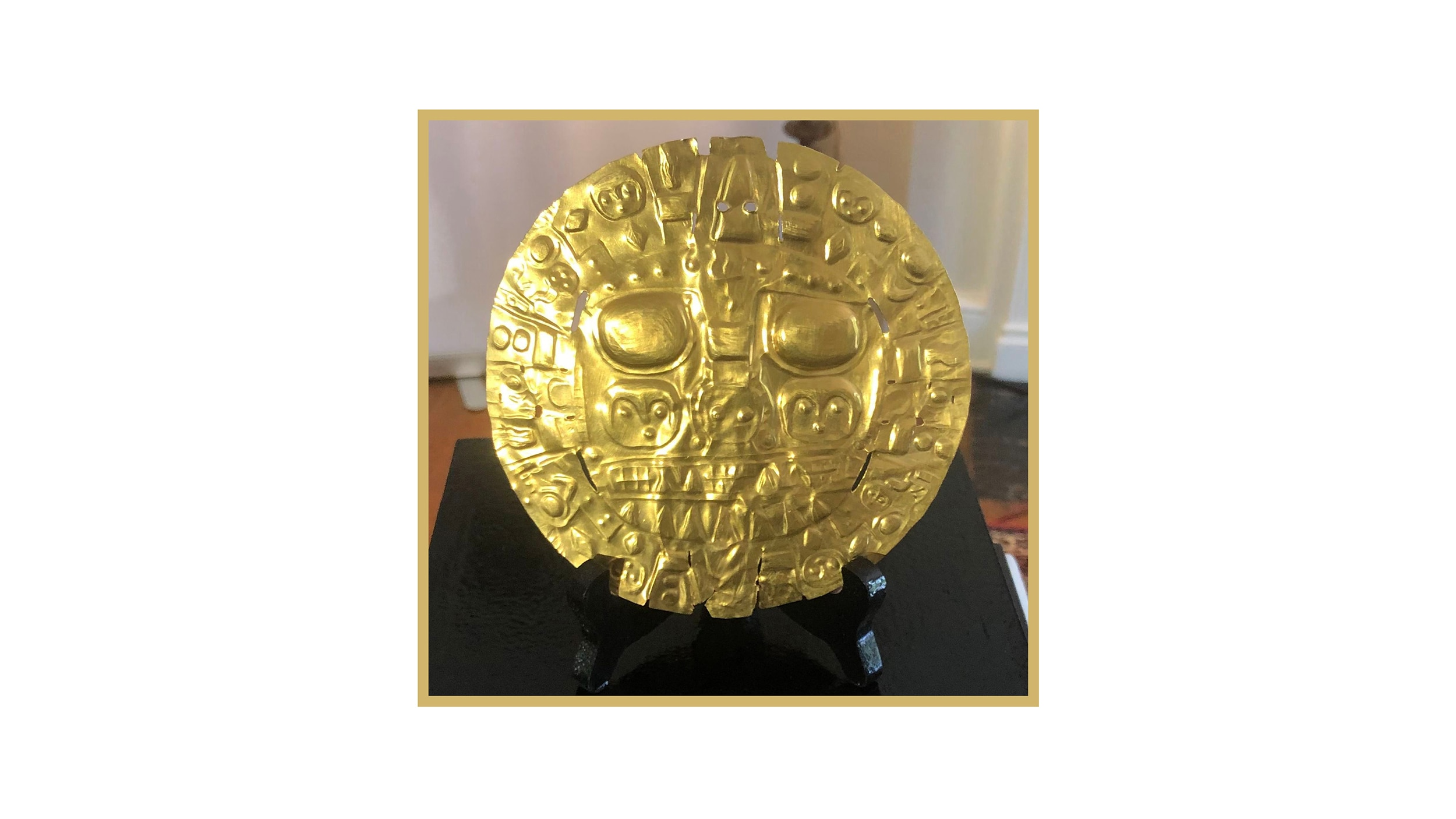 """The """"Echenique Disc,"""" a pre-Inka gold ornament recognized as the symbol of the city of Cusco. [Smithsonian's National Museum of the American Indian photo]"""