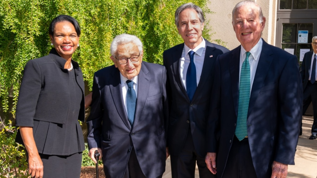 Secretary Blinken stands with former Secretaries of State Condoleezza Rice, James Baker, and Henry Kissinger at Stanford Memorial Church on Thursday.